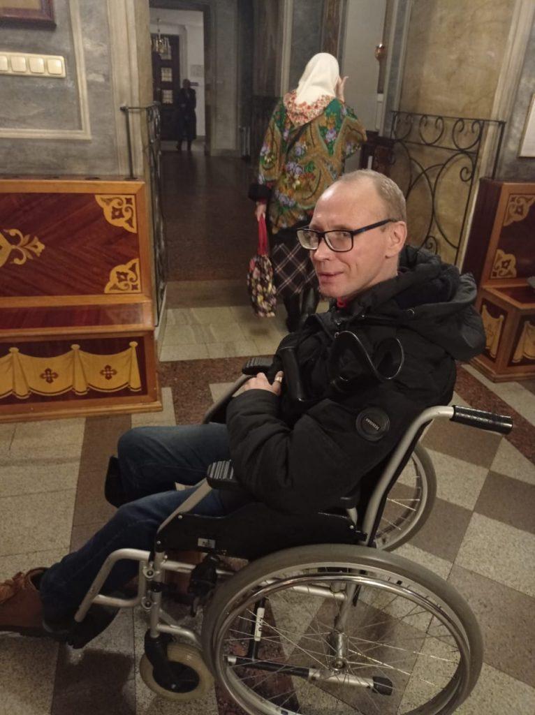 Георгий Горностаев в коляске